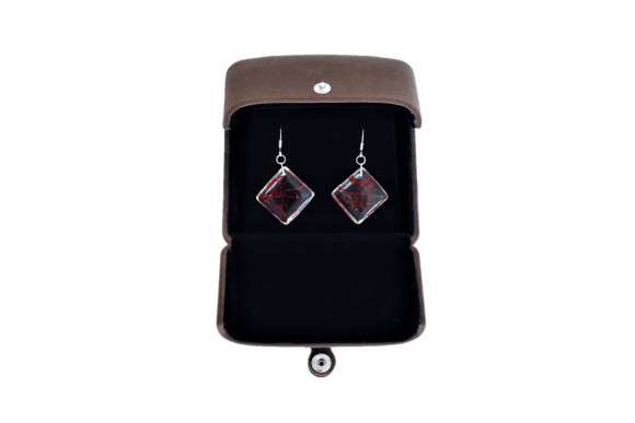 Boite à bijou pour boucle d'oreilles ou collier