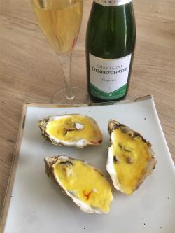 Huîtres gratinées au sabayon de champagne et au safran